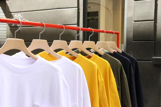 """UNIVERSAL PRODUCTS """"HEAVY WEIGHT S/S TEE"""""""