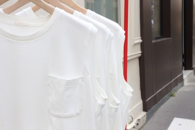 "COMOLI ""COTTON SILK NO SLEEVE TEE"""